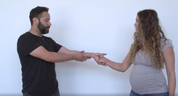 Autoapărare pentru femei: Câți bărbați crezi că au reușit să o prindă pe soția lui Rener Gracie? (VIDEO)