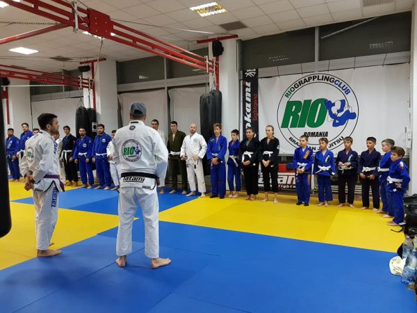 https://www.facebook.com/riograpplingclubromania