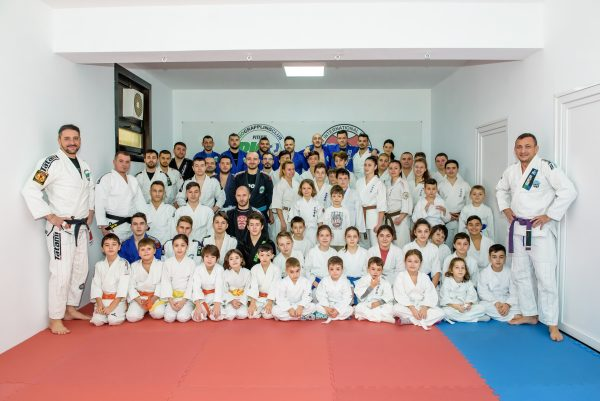 EN / RO Rio Grappling Pitești has inaugurated its new dojo / Rio Grappling Pitești și-a inaugurat noua locație (VIDEO)